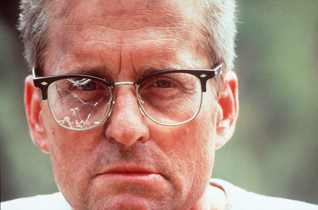 WARNING:  PICTURE SCANNED FOR OVERNIGHT FEATURESFIlms - 'Falling Down'